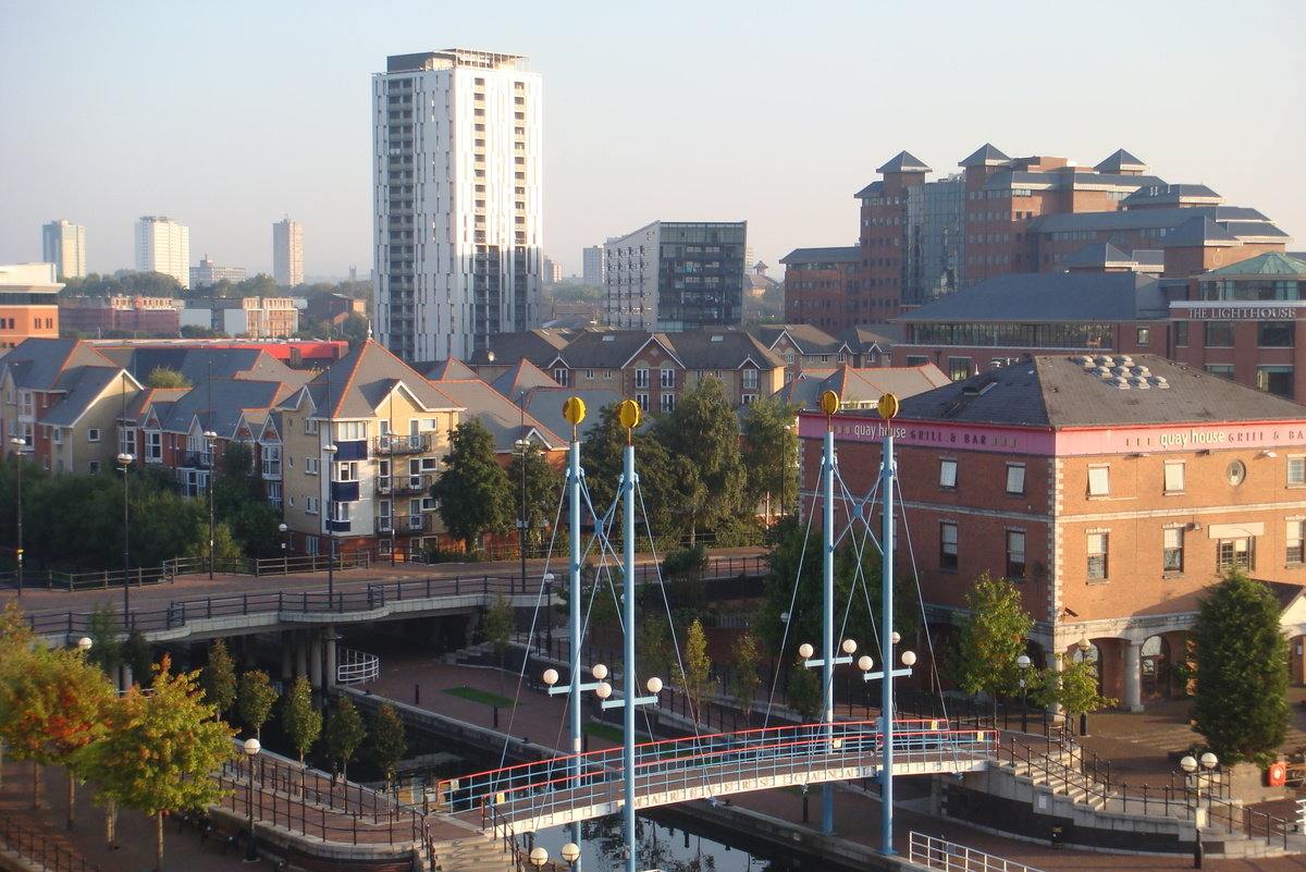Mariners canal from waterfront quay salford quays 1200 0x71x3264x2178 q85